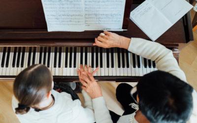 Bien DÉBUTER au PIANO : les ERREURS à NE PAS COMMETTRE.