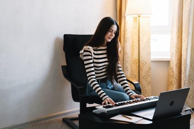 Apprendre le piano en ligne : est-ce possible ?